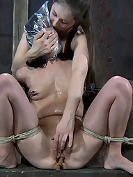 Elise Having Painful Orgasms, pic #3