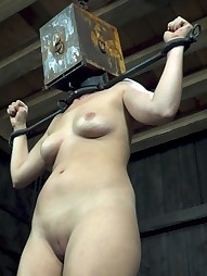 Nyssa Gets Boxed In, pic #7