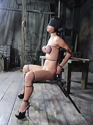 Tia Ling on RealTimeBondage, pic #7