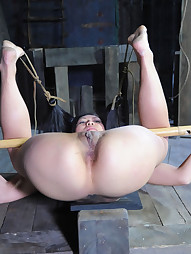 Tia Ling on RealTimeBondage, pic #10