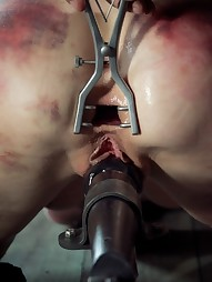 Elise Graves is The Queen of Pain, pic #9