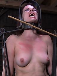 Lila Katt in Lock-up, pic #11