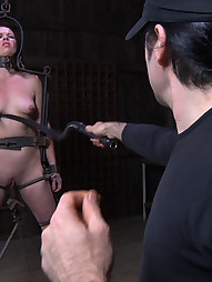 Lila Katt in Lock-up, pic #10