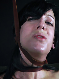 Elise Uses Her Mouth, pic #2