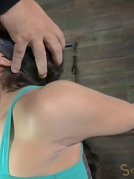 Gabriella blindfolded adn shackled, pic #3